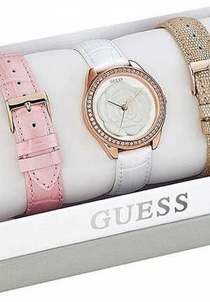 Roses-In-The-Round Boxed Watch Set 37mm